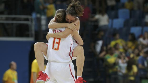 Lucila Pascua y Laia Palau se abrazan en los Juegos Olímpicos de Río