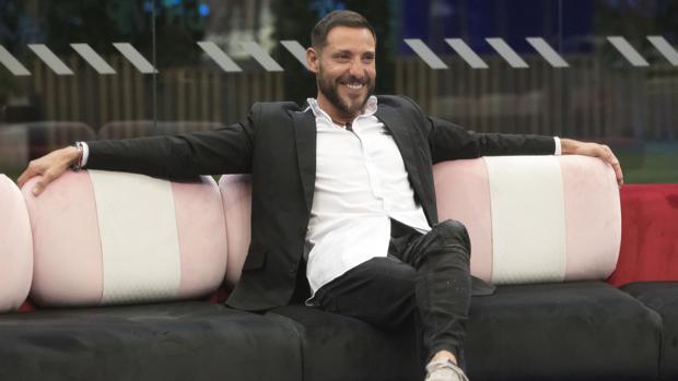 Antonio David Flores en el sofá de «GH VIP»