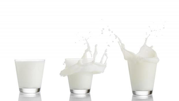 La leche, además del calcio, aporta otros beneficios nutricionales