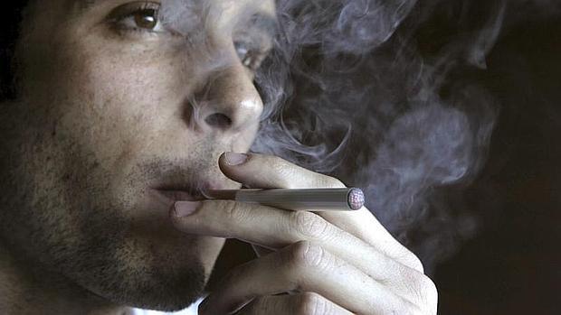 EE.UU. pretende evitar una nueva generación de jóvenes adictos a la nicotina
