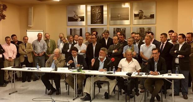 Representantes de los sectores de la caza y de la pesca en defensa del mundo rural