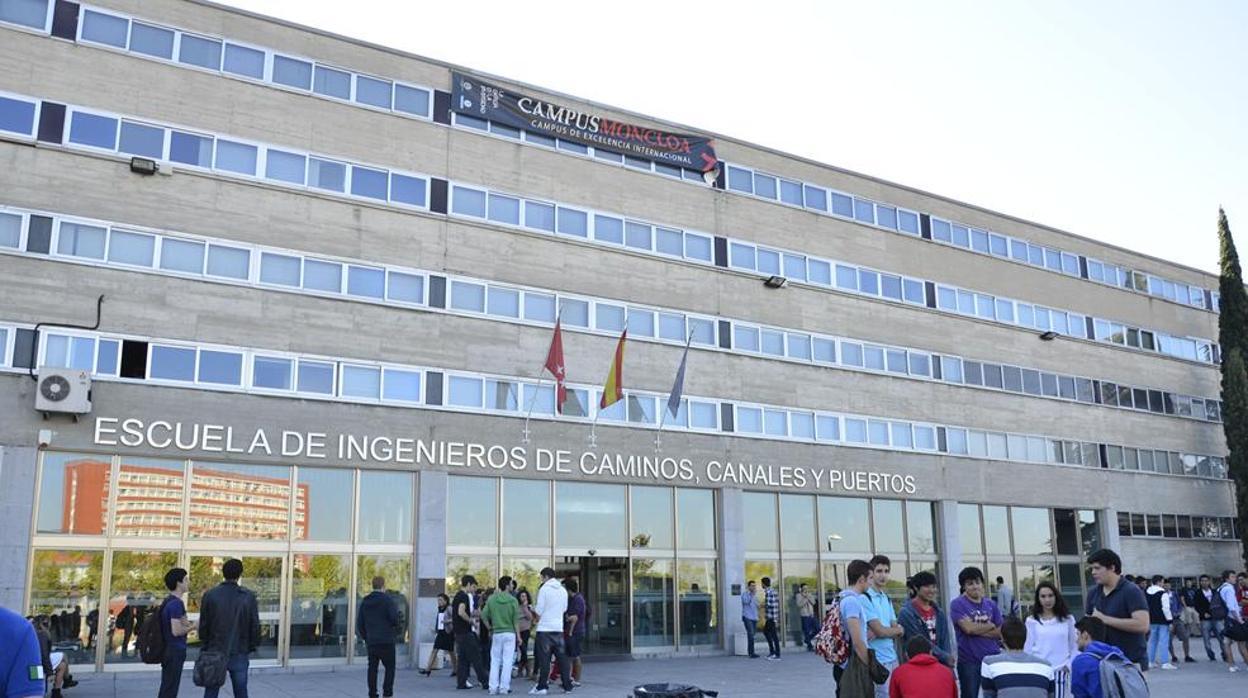 EMPLEO Y FORMACIÓN EN CONSTRUCCIÓN AGOSTO'18 cover image