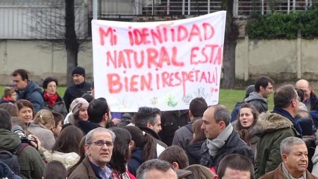 Protesta contra la imposición de «Skolae». En la imagen, un momento de la concentración