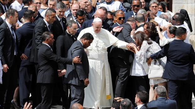 El Papa Francisco visita la catedral basílica Santa Maria La Antigua durante la JMJ de Panamá