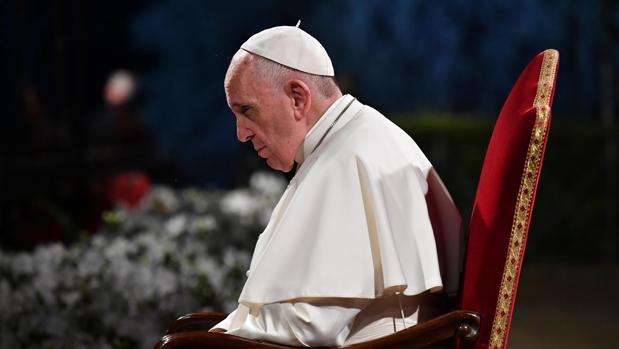 El Papa Francisco, en el Coliseo de Roma