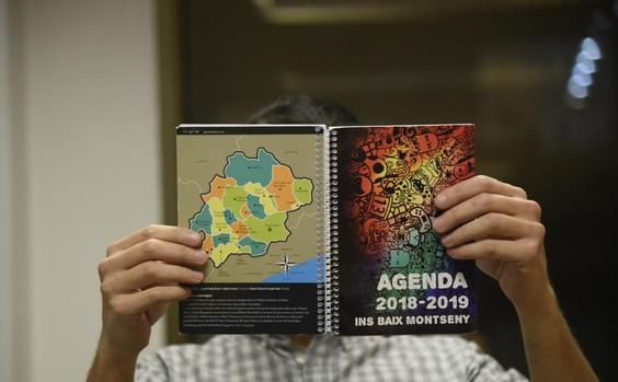 Agenda escolar con mensajes adoctrinadores en el instituto del Baix Montseny