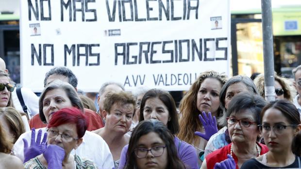 Imagen de archivo de una concentración en Córdoba contra la violencia de género