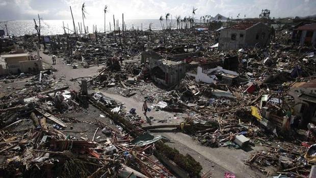 Desolación dejada por el tifón Haiyan en Filipinas
