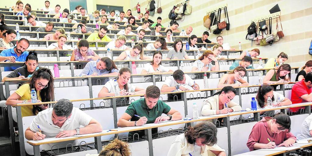 Graves irregularidades en las oposiciones a maestro en Cataluña