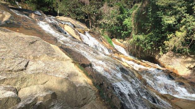 Imagen de la cascada Na Meung 2 en Tailandia