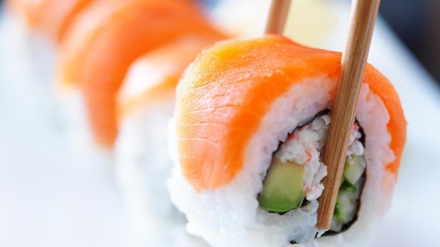 Imagen de archivo de piezas de sushi