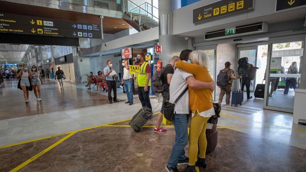 aeropuerto-tenerife-konE--620x349@abc