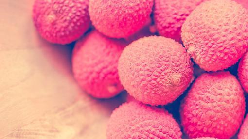 Litchis, bajo su cáscara rosa de púas se encuentra el sabor más intenso