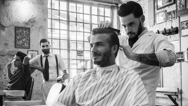 David Beckham en la peluquería y barbería portuguesa Figaro's