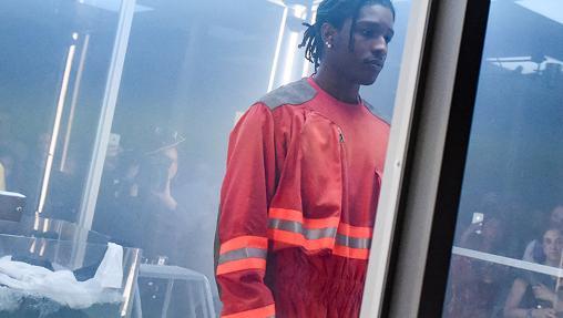 Calvin Klein apuesta por la ropa de trabajo este otoño