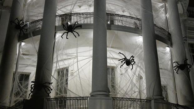 Imagen de la decoración de la Casa Blanca durante Halloween 2017