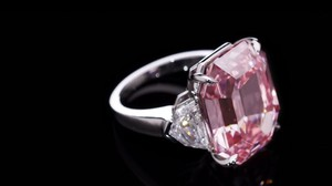 Un diamante rosa vendido por casi 45 millones de euros