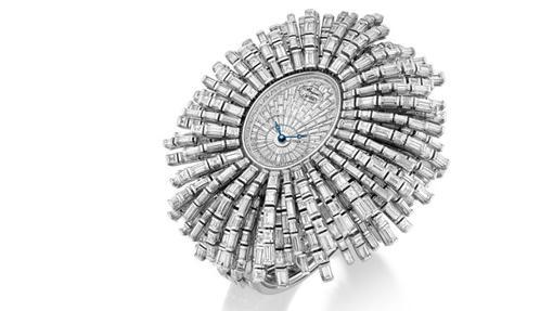 Reloj modelo Be Crazy con más de mil diamantes