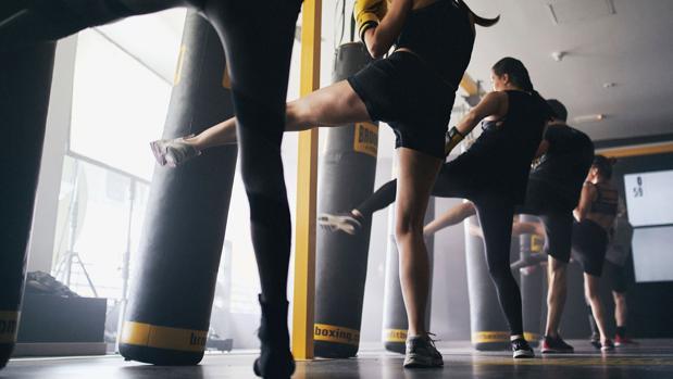 El fitboxing tonifica reune boxeo, muay thai, kickboxing y crossfit