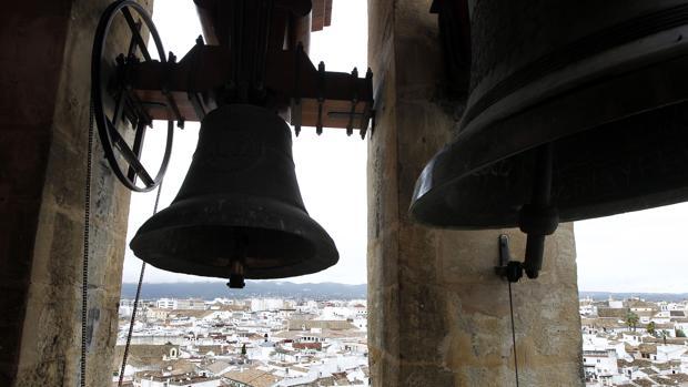 Las torres de las iglesias de Inglaterra servirán de soporte a antenas parabólicas