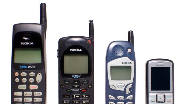 Lujosos y pesados: Así eran los primeros teléfonos móviles que llegaron a España