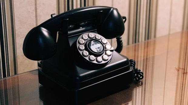 De las telefonistas a las centralitas en la nube: así ha cambiado la comunicación en España