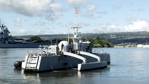 Sea Hunter, el prototipo de barco de guerra autónomo de Estados Unidos