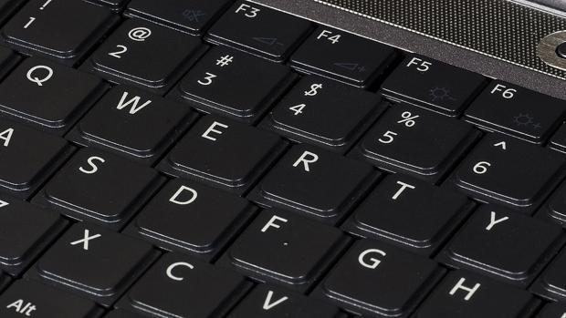 Cómo desinfectar el teclado de tu ordenador y eliminar bacterias y virus
