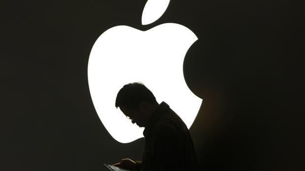 Francia pide a Google y Apple que faciliten el trabajo de su «app» contra el coronavirus