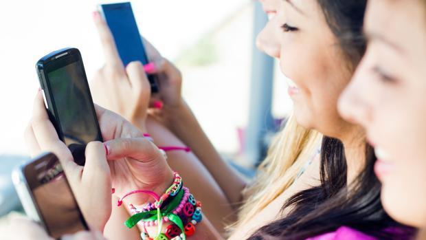 Amor en tiempos de pandemia: así utilizan los jóvenes las «apps» de citas para seguir ligando