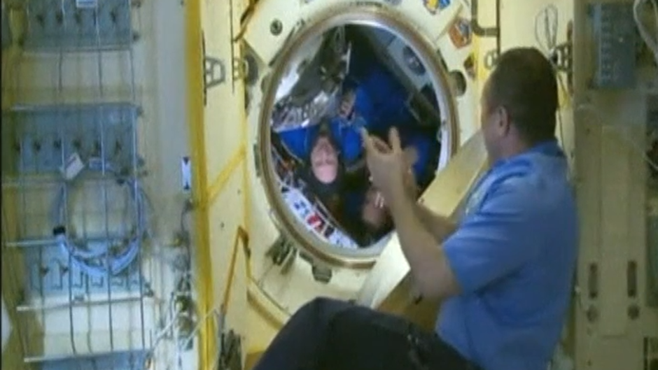 Vídeo: La nave Soyuz con tres astronautas a bordo se acopla con éxito en la EEI